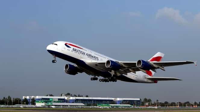 Video. Furtuna Dennis a făcut ca un Airbus 380, cel mai mare avion de pasageri din lume, să aterizeze aproape lateral în Londra