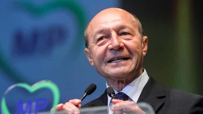 """Traian Băsescu, critici la adresa lui Victor Ponta: """"Se mișcă ca un electron liber"""""""