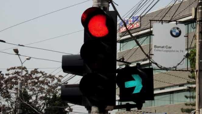 Timișoara: Un bărbat a murit după ce a traversat pe roșu. Individul a fost spulberat de o mașină