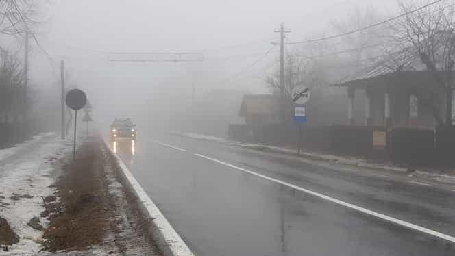 ALERTĂ ANM! Zece judeţe sunt afectate de ceaţă. Probleme serioase în traficul rutier
