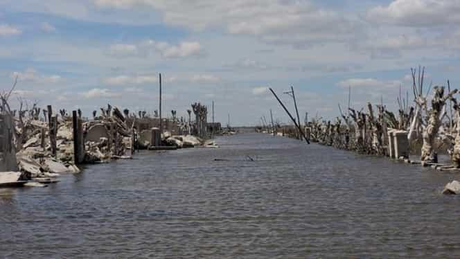 Oraşul răsărit din ape, în Argentina! Are un singur locuitor GALERIE FOTO