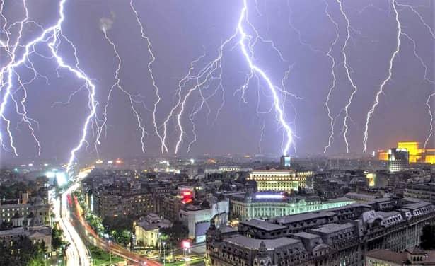 Cod galben de furtuni în 22 de judeţe din ţară! Furtună