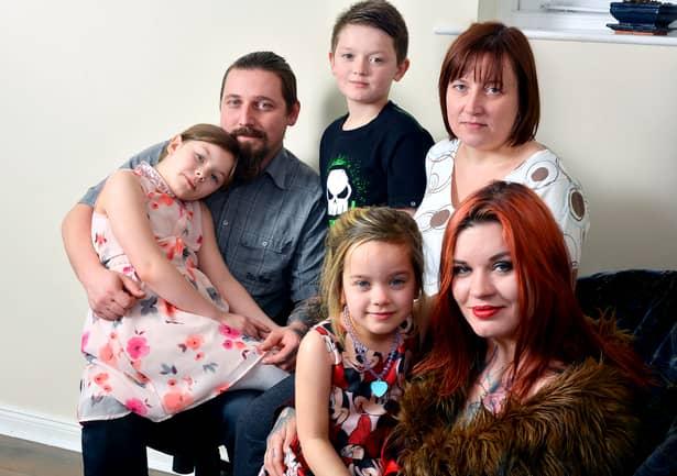 Cum îşi întreţine această femeie cei trei copii! Ce face cu TRUPUL ei pentru bani! Galerie FOTO