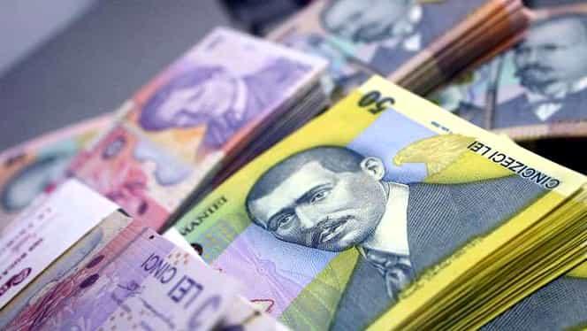 Românii își pot retrage de astăzi contribuțiile la pilonul II de pensii. Care sunt riscurile