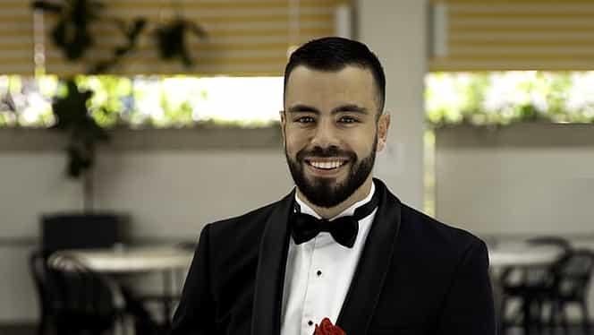 """Omul de afaceri care produce 120.000 de euro pe lună își caută iubită de Valentine's Day. Cum arată anunțul de """"matrimoniale"""""""