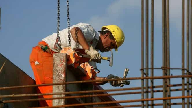 Noul Cod Fiscal aduce taxe noi pentru românii care muncesc în străinătate, dar şi pentru cei fără venituri!