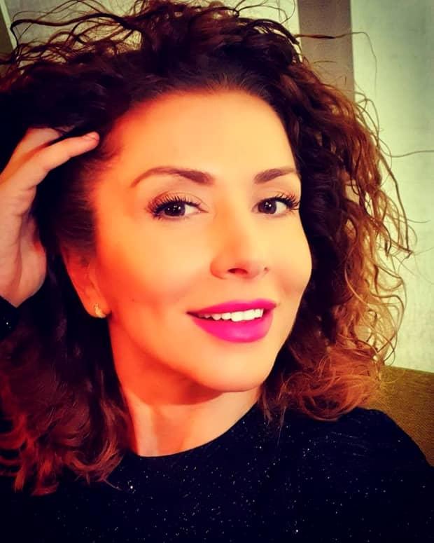 Carmen Brumă, coafură nouă. Vedeta și-a uimit fanii de pe rețelele de socializare. GALERIE FOTO