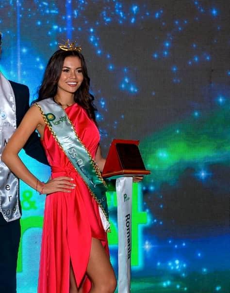 Denisa Hodişan a devenit Miss Planet