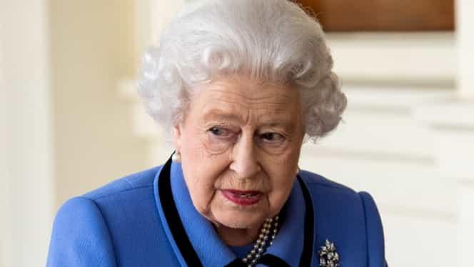 Obiectele care îi poartă noroc Reginei Elisabeta. Tu ai așa ceva prin casă?