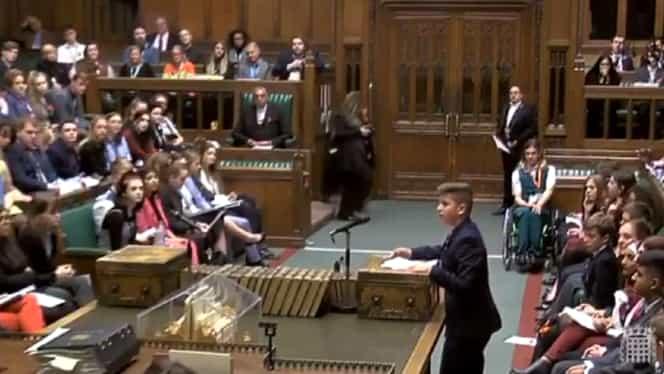 Discursul extraordinar al unui copil român, în Parlamentul Britanic