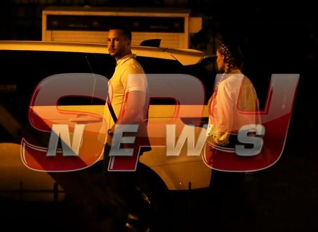 Paparazzii Spynews.ro i-au prins pe Bianca Drăgușanu și bărbatul cu care a ieșit în oraș, în timpul unei ecapade nocturne. Mai multe informații, pe Spynews.ro!