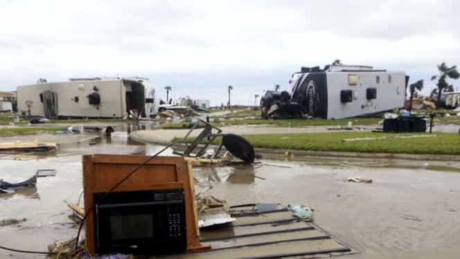 Uraganul Harvey a devastat statul Texas. Preşedintele Trump vizitează zona afectată