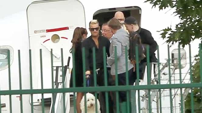 GALERIE FOTO. Ce «tratament» de vedeta a avut câinele lui Robbie Williams în România!