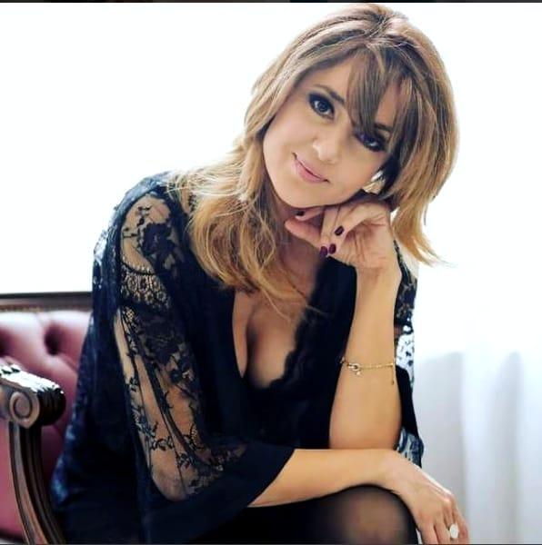 Oana Sârbu, în costum de baie, la 50 de ani! Imaginile pe care nu ai cum să le ratezi