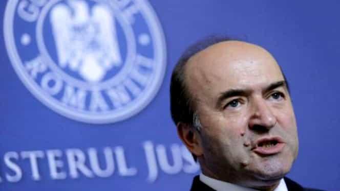 Tudorel Toader are venituri uriașe! Ministrul Justiției încasează și o pensie de fost judecător