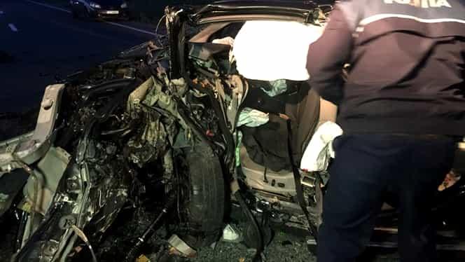 Accident groaznic în Timiș. Două mașini s-au facut zob, iar 2 oameni au murit și alți 3 au fost răniți