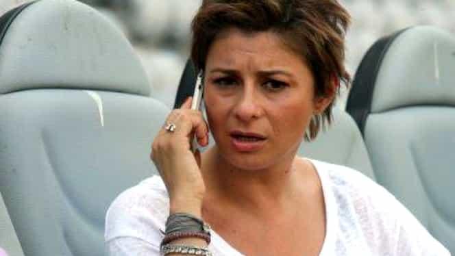Anamaria Prodan sună pe telefonul mamei sale, când o apucă dorul!
