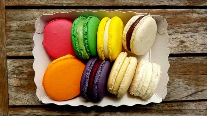 Rețeta zilei: macarons, fursecul franțuzesc și colorat