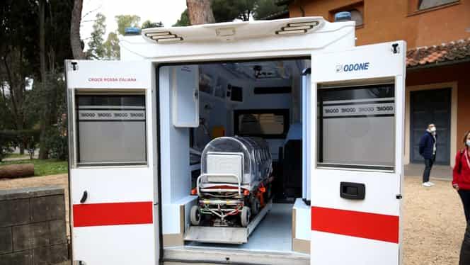Românca decedată de coronavirus în Italia, adusă în secret în țară. Femeia a fost înmormântată fără preot