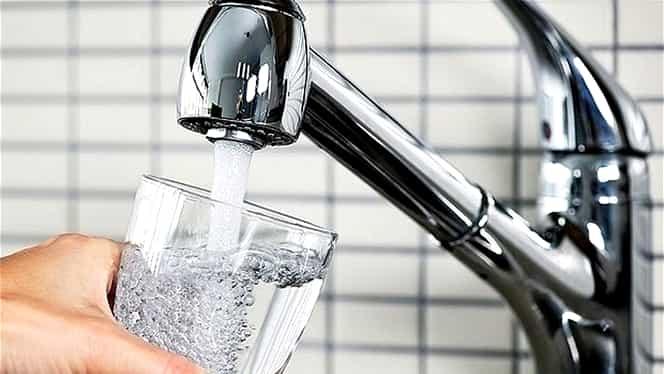 Apa Nova, amendată de DSP după scandalul privind apa potabilă din Bucureşti! Ce sancţiune a fost aplicată