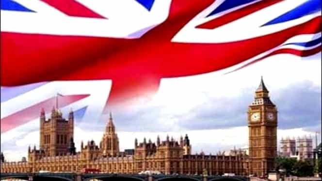 Românii rămân în Marea Britanie și după Brexit, deși britanicii îi urăsc