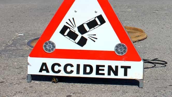 Accident grav pe autostrada A1. O femeie a rămas încarcerată