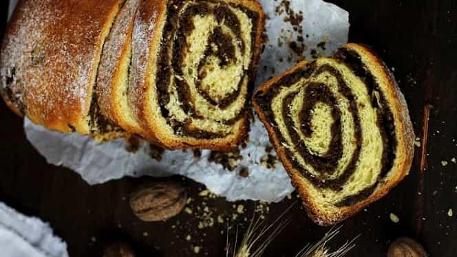 Rețetă de Paște: cozonac cu nucă și cacao ca la bunica acasă. Are gustul exact ca în copilărie