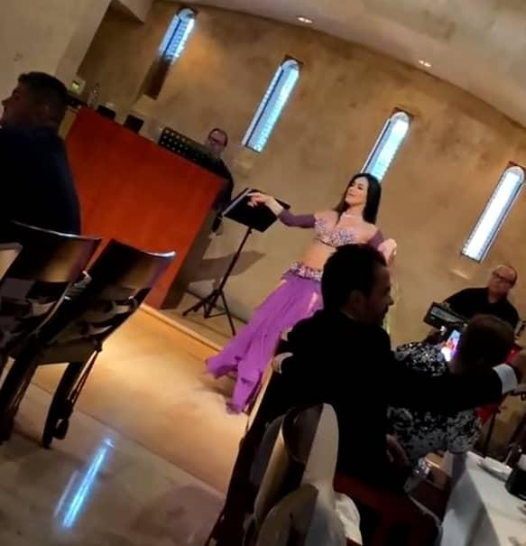 Anamaria Prodan, petrecere cu lăutari în Dubai! A primit cadouri mai multe genţi, în valoare de sute de mii de euro