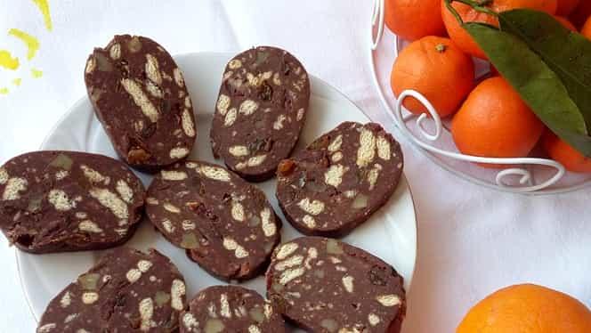 Rețeta zilei. Cum să prepari cel mai bun salam de biscuiți