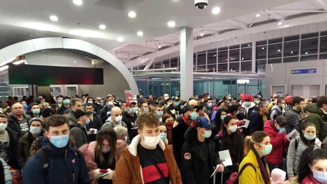 Cozi uriașe pe Aeroportul Otopeni. Sute de români s-au întors în țară și s-au înghesuit la sosiri. Directorul operațional a fost demis