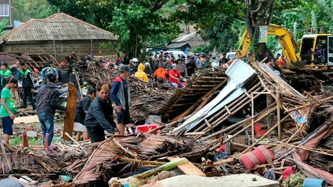 Tsunami în Indonezia. Cel puțin 168 de oameni au murit, iar alți peste 700 sunt răniți / VIDEO
