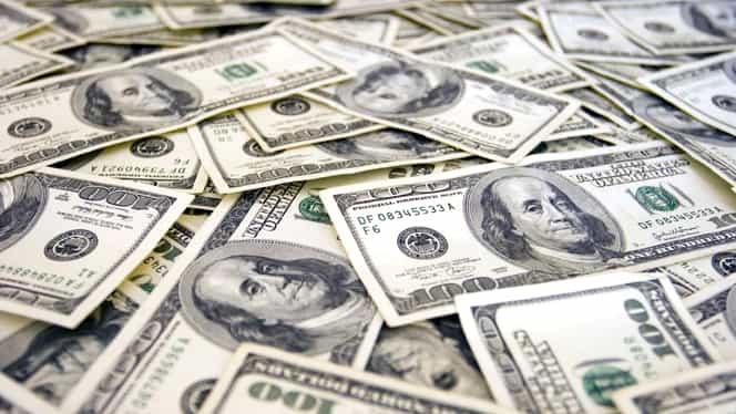 CURS BNR. Dolarul, în SCĂDERE! Euro, creştere uşoară