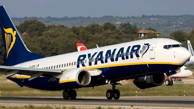 Un zbor Ryanair a aterizat de urgență, după ce zeci de pasageri s-au îmbolnăvit brusc