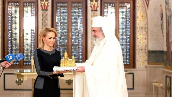Gabriela Firea vrea să-i acorde Patriarhului Daniel titlul de cetăţean de onoare al Bucureştiului