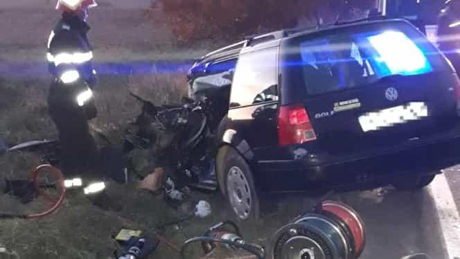 Accident înfiorător în Bacău! Un șofer s-a izbit frontal cu mașina de un TIR! Înainte de accident acesta își mutilase soția cu acid