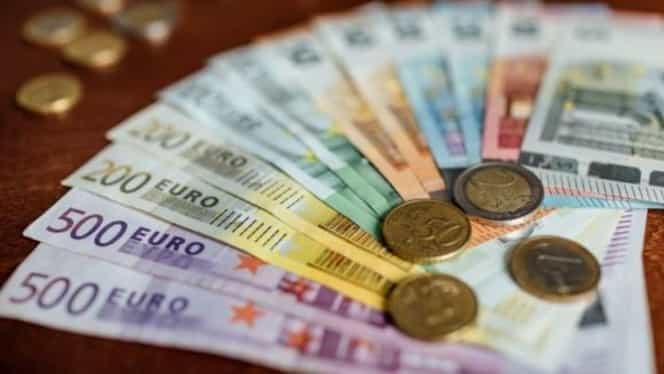 Curs valutar BNR 31 martie 2020. Ce se întâmplă astăzi cu euro și dolarul