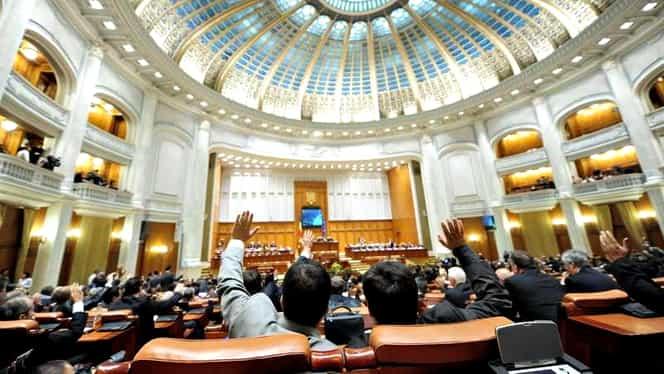 Votul pe legea pensiilor, amânat din nou! Puterea nu are majoritate în Parlament