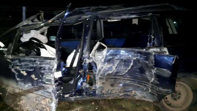 Tragedie în județul Giurgiu! O femeie a murit, iar cei trei copii ai săi se află în stare gravă la spital după ce mașina în care se aflau s-a răsturnat
