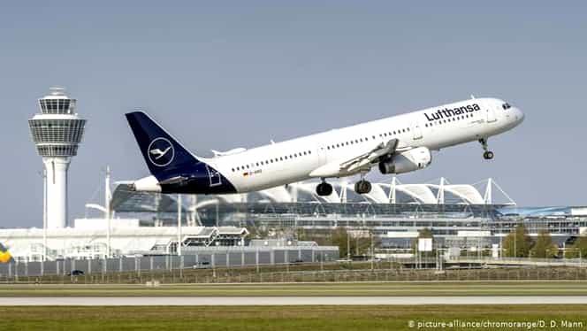 Pandemia de coronavirus va pune la pământ multe companii aeriene. Directorul Lufthansa trage un semnal de alarmă