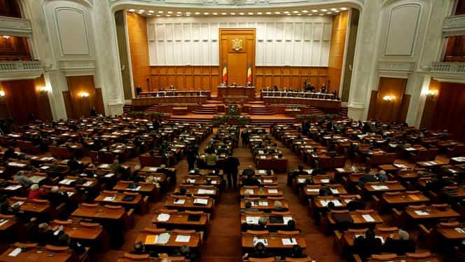 Majorarea alocațiilor a fost adoptată de Parlamentul României. Copiii vor primi 300 sau 600 de lei