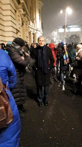 Protest 10 ianuarie la Ateneul Român! Imagini Live Video! Cu ce pancarte au fost așteptați liderii Europei la București
