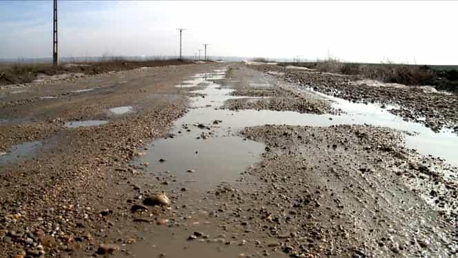 Drumurile din România, în urma celor din Burundi, Zimbabwe sau Liberia. Ce loc ruşinos ocupă în topul celor mai proaste drumuri din lume! GALERIE FOTO