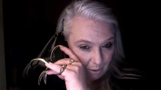 Cum arată femeia care nu și-a mai tăiat unghiile de 14 ani. Câți bani a câștigat de pe urma gestului ciudat