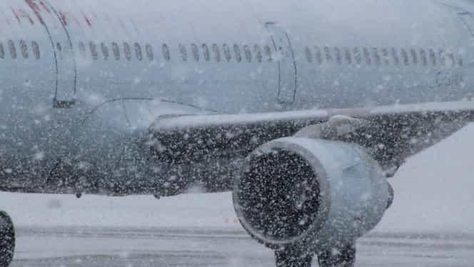 Întârzieri pe aeroporturile din București și din țară, din cauza vremii. Sute de pasageri, afectați
