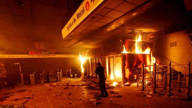 Război în Chile! Șapte morți, magazine devastate și zboruri anulate