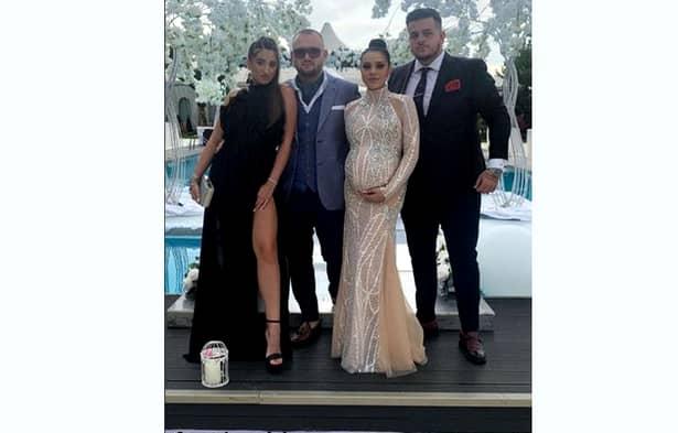 Cum s-a imbracat sotia lui Adi Minune la nunta fiicei sale