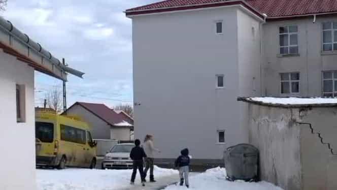 Un primar din România a construit un wc pe 3 etaje, în valoare de 87.000 de euro! De ce nu poate fi folosit