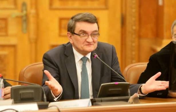 Victor Ciorbea primește o pensie specială de 30.000 de lei