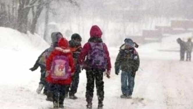 Școli închise, în România? Ce se întâmplă în țară, după prelungirea codului galben de viscol și ninsoare