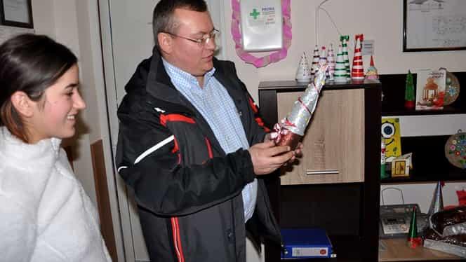 Un primar din Vrancea a fost arestat preventiv fiind acuzat de comiterea a șase infracțiuni. Alți șapte angajați ai primăriei sunt suspecți